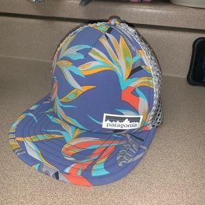 Like new Women's Patagonia duckbill trucker hat